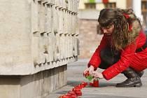 Připomínka 70. výročí vyvraždění terezínského rodinného tábora v Osvětimi-Březince na Masarykově náměstí v Hradci Králové.