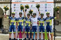 HRADECKÁ FORMACE. Šestičlenná výprava cyklistů byla v Polsku úspěšná.