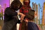 Gisela Klimešová darovala vlasy na výrobu paruky.