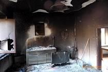 Hořící televize napáchala škody za 200 tisíc korun.