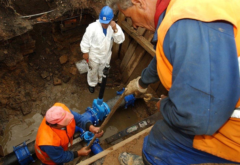 kopání vodovodu v Třebechovicích