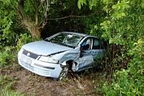 Dopravní nehoda dvou osobních automobilů na silnici mezi Hubílesem a Smržovem na Hradecku.