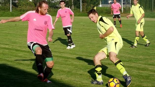Krajská fotbalová I. B třída: Lokomotiva Hradec Králové - Miletín.
