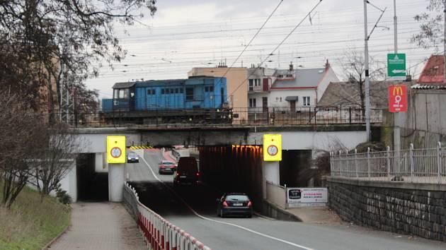 Podjezd v Kuklenách čeká proměna.