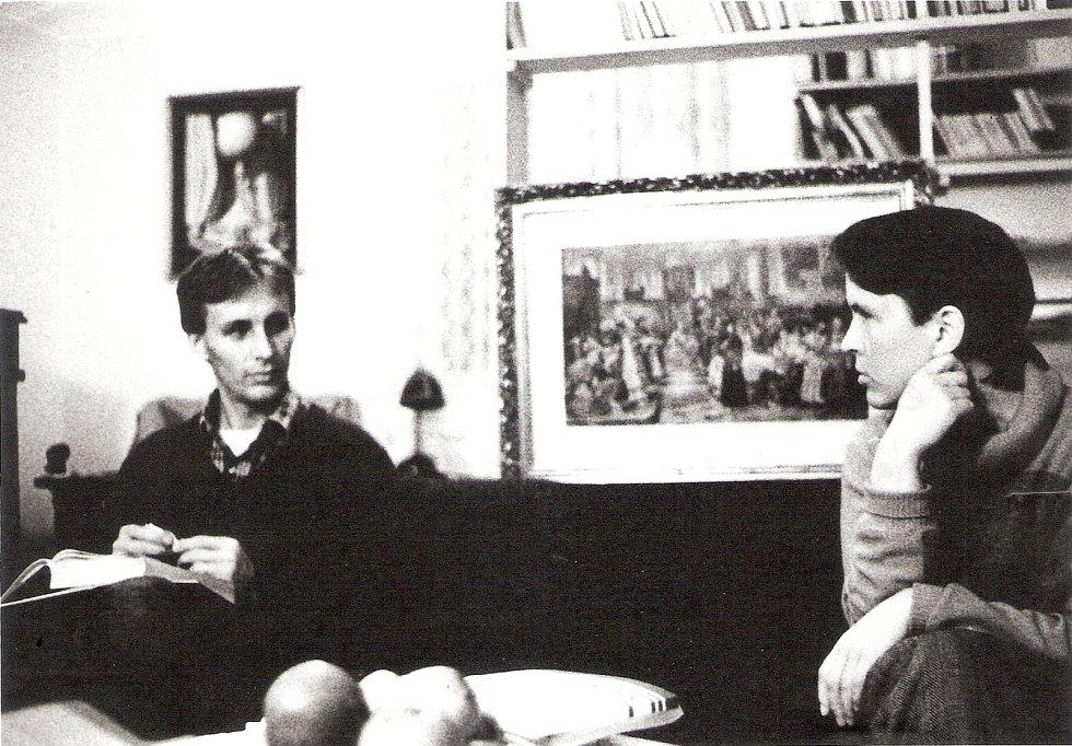 """Příběh Hany Jüptnerové je součástí venkovní výstavy """"Z totality do totality""""."""