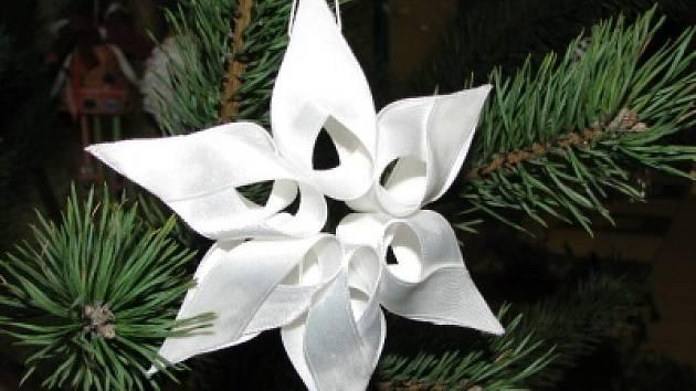 Vánoční ozdoba domácí výroby