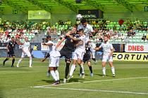 Z prvoligového duelu Karviná vs. FC Hradec (1:1).