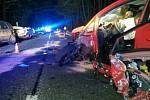 Nehoda čtyř vozidel uzavřela silnici I/35 u Hradce Králové.