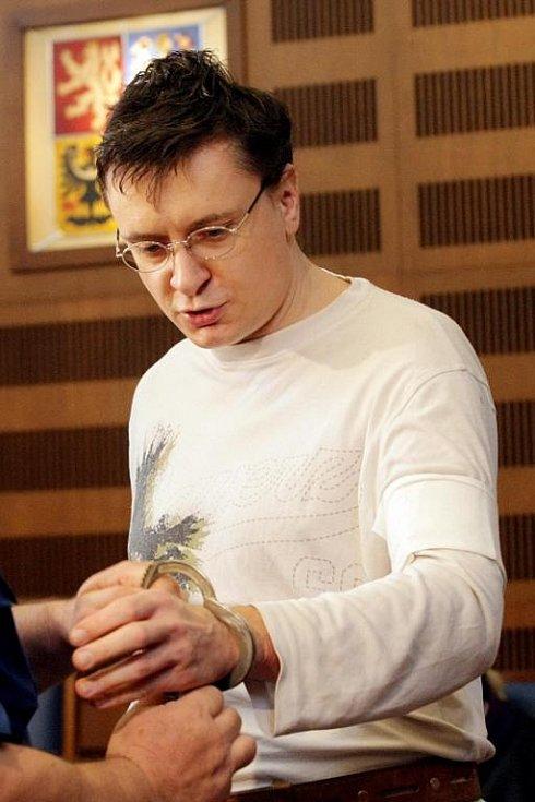 Jiří Cimbál byl za vraždu stopařky odsouzen na doživotí.