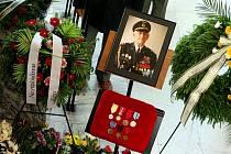 Předseda Okresního výboru Českého svazu  bojovníků za svobodu v Hradci Králové Vasil Chymčák zemřel v noci z 18. na 19. května ve věku 82 let