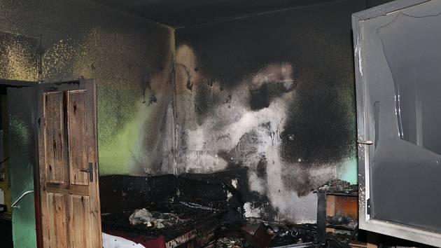 Požár domu ve Zdechovicích.
