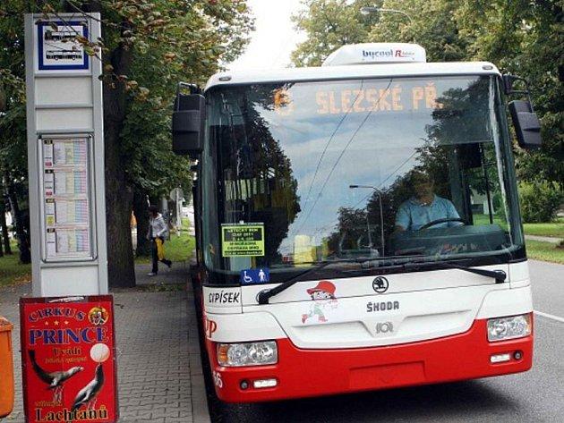Trolejbusy už k městu neodmyslitelně patří.