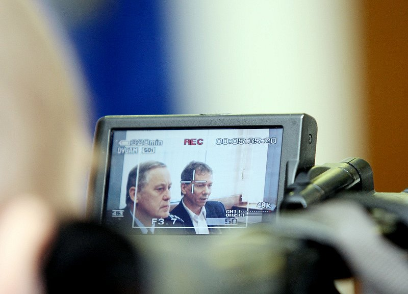 Tisková konference k vyjádření případu nalezení mrtvého těla v Chudeřicích.