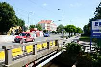 Oprava mostu v královéhradeckých Kuklenách.
