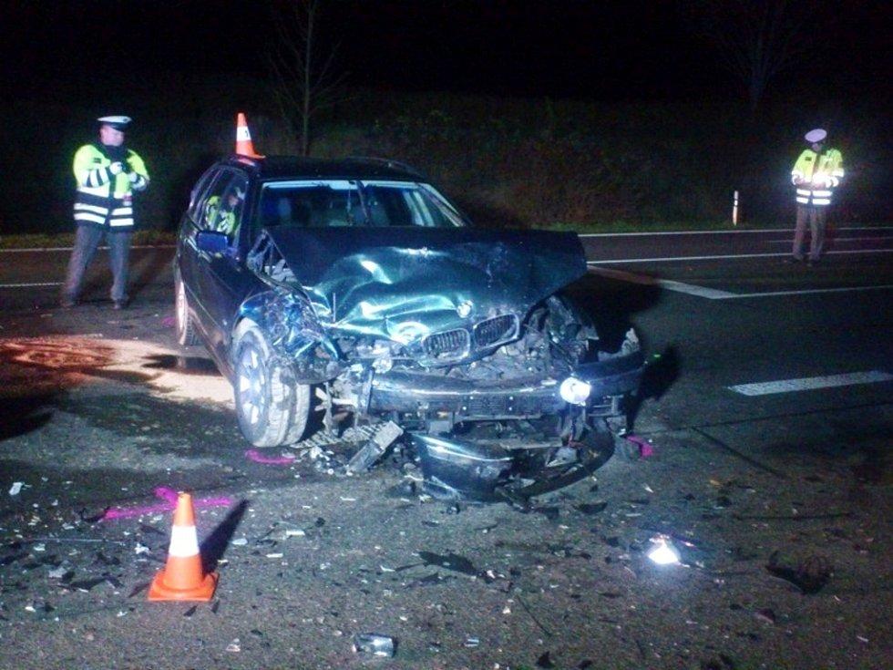 Dopravní nehoda na silnici I/35 u odbočky na Všestary.