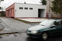 Nový zbrojnice. Hasiči z Malšovic mají novou základnu za více než sedm milionů.