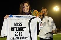 Jedna z minulých Miss internet fotbalového klubu FC Hradec Králové.