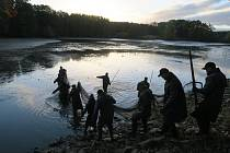 Výlov rybníka Datlík se uskutečnil v sobotu 23. října.