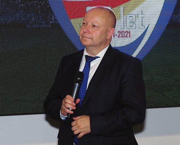 PŘEDSEDA FAČR Petr Fousek dorazil do Nového Adalbertina.