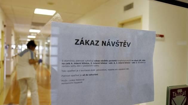 Zákaz návštěv ve Fakultní nemocnici Hradec Králové.