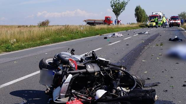 Smrtelná nehoda skútru na Hradecku