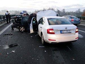 Hromadná nehoda u Opatovic