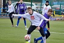 V duelu Náchod - Nový Bydžov (v černobílém) zvítězil domácí favorit.