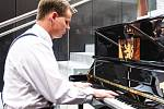 Pianino Republika společnosti Petrof.