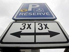 Parkování pro invalidy - ilustrační foto.