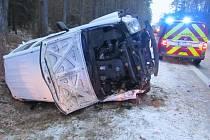 Havárie dodávky u Týniště nad Orlicí.
