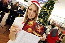 Stromeček splněných přání udělá radost Domovu pro matky s dětmi v Hradci Králové.