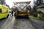 Dopravní nehoda dodávky a zemědělského stroje v Černilově.