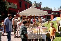 Historické tržiště přilákalo dvě desítky trhovců a tři tisíce návštěvníků.