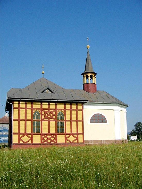 Hrázděná kaple v Kunčicích nad Labem.