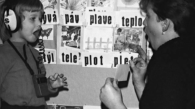 Jak jsme žili v Československu: historie hradeckých speciálních mateřských škol.