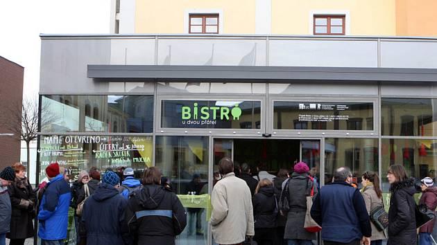 Otevření Bistra U dvou přátel v Hradci Králové.