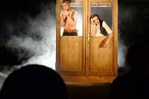 Inscenace Malamadre v divadle Drak v Hradci Králové.