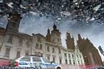 Díry na královéhradeckém náměstí.