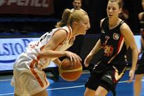 Ženská basketbalová liga: VŠ Praha – Hradec Králové 77:68. Hráno v Praze na Folimance