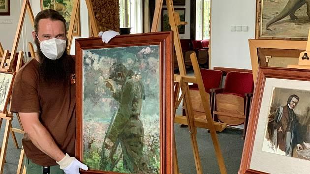 Ve Dvoře Králové nad Labem je k vidění unikát z dílny Zdeňka Buriana - voják vracející se z první světové války.