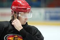 Útočník Richard Rapáč posílí hradecký hokejový klub.