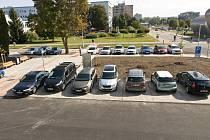 Na místě původní budovy transfuzního oddělení vzniklo parkoviště a také klidová zóna.