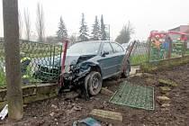 Havárie osobníího automobilu v novobydžovské části Zábědov.