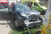 Dopravní nehoda dvou osobních automobilů v Novém Bydžově.