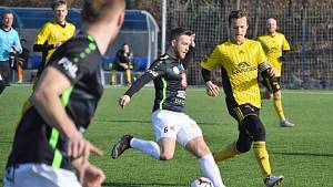 František Čech nastoupil ve žlutém dresu Ústí nad Orlicí proti Hradci Králové.