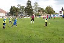 Ukázkový trénink fotbalových přípravek v Novém Bydžově.