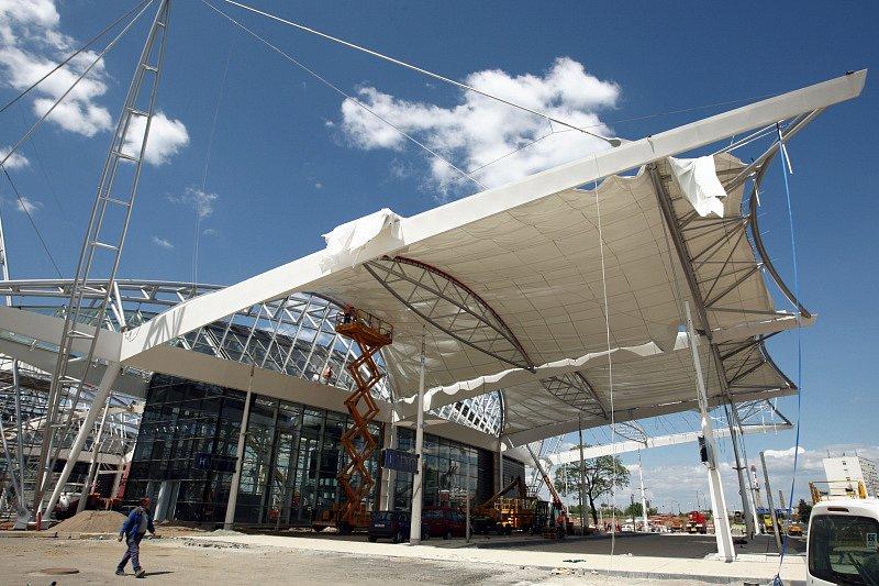 Nádraží za téměř 400 milionů korun zahájí provoz během června letošního roku.