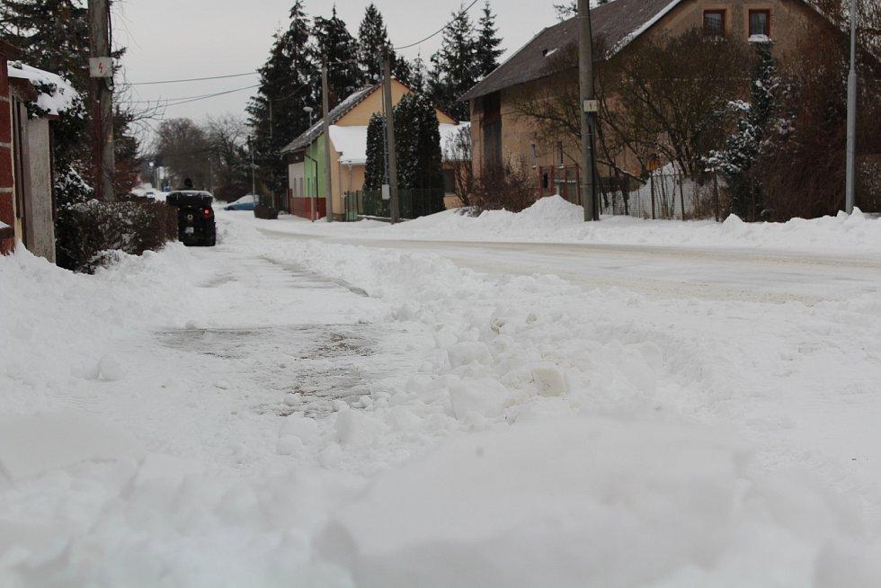 Sněhová nadílka pokryla v pondělí i Hradecko: z Hubílesa