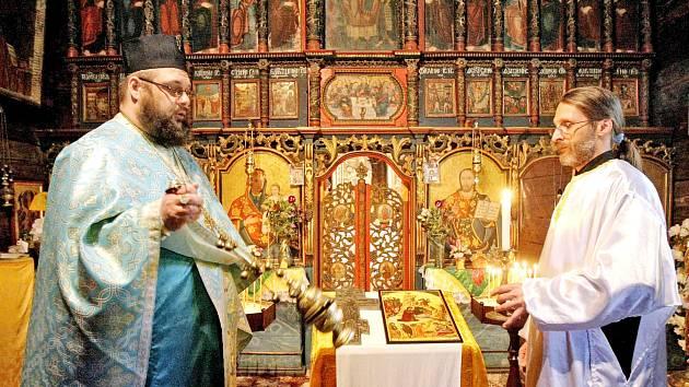Pravoslavné Vánoce v kostele sv. Mikuláše v hradeckých Jiráskových sadech.