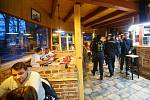 Chcipl pes iniciativa otevrela hospodu v Hradci Králové U soutoku